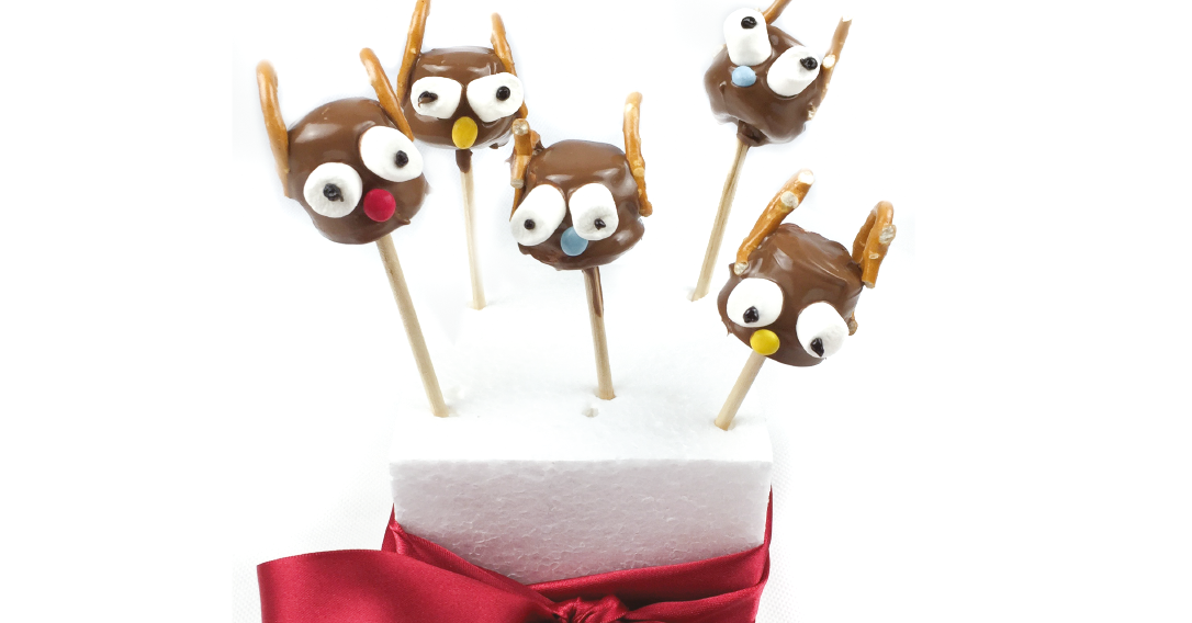 Presentation of a bunch of Reindeer Christmas Mallow Pops