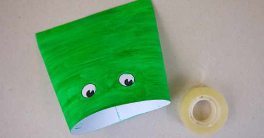 Tape together frog craft