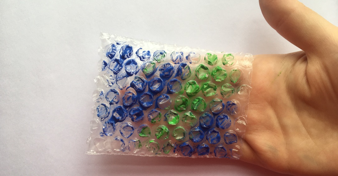 add paint to the bubble wrap